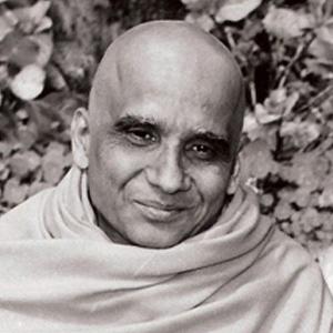 Foto in primo piano di Śrī Svāmī Kṛṣnānandaji Maharaj