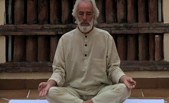foto yogi respirazione profonda
