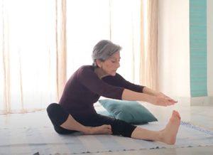 posizione yoga mahamudra