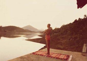 partica yoga suryanamaskara